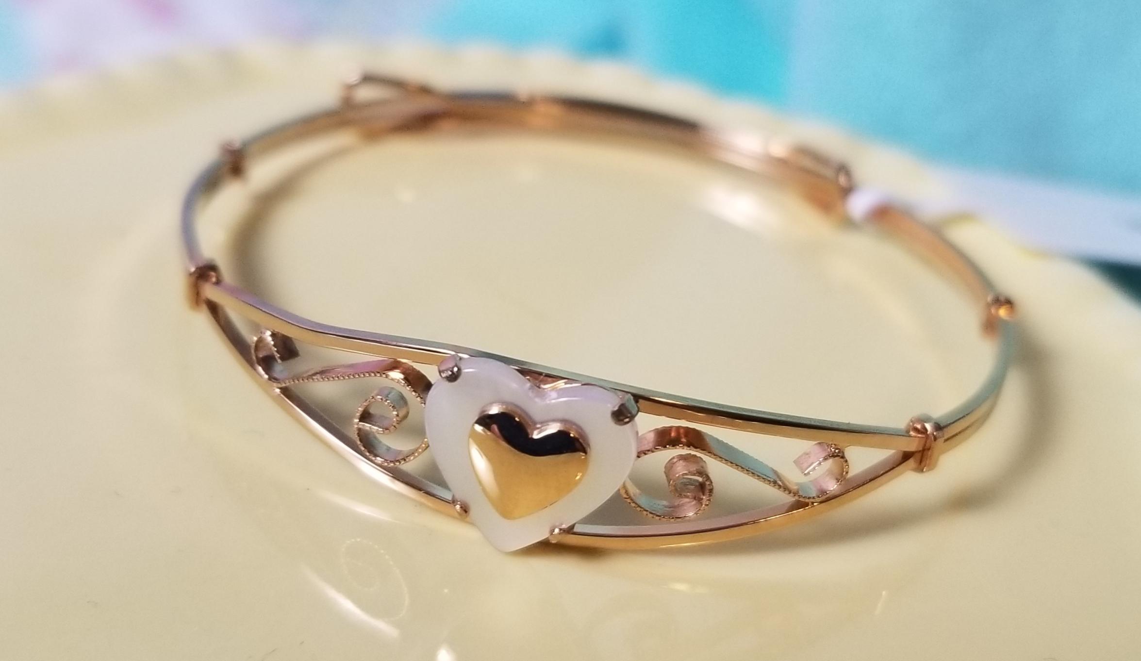 Gold Filled Heart on Mother of Pearl Bangle Bracelet - Mt0005B